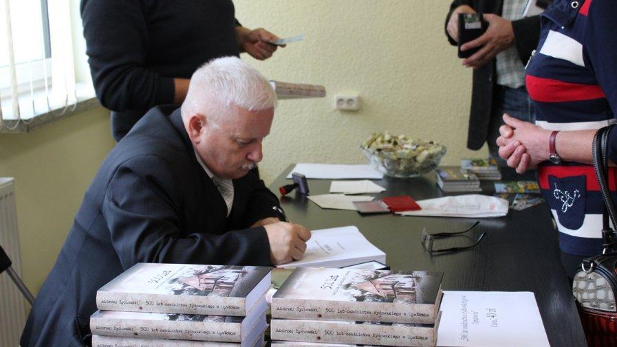 """Promocja książki """"500 lat osadnictwa żydowskiego w Opatowie"""""""