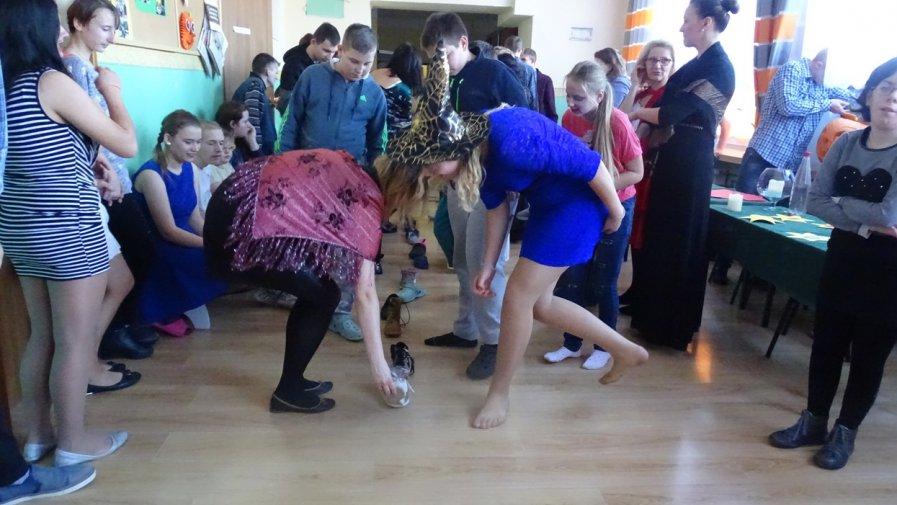 Andrzejkowa zabawa w Dębnie