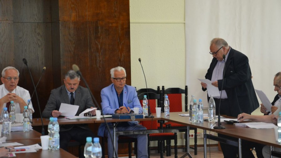 Zarząd Powiatu Opatowskiego z absolutorium