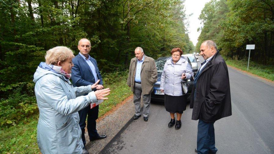Kolejne kilometry dróg oddane do użytku w gminie Iwaniska