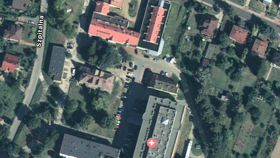 Więcej miejsc parkingowych przy szpitalu w Opatowie