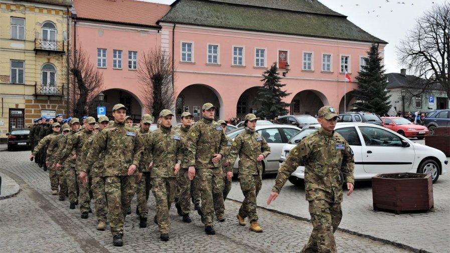 Uczniowie Zespołu Szkół numer 1 w Opatowie uczcili 155. rocznicę Bitwy Opatowskiej