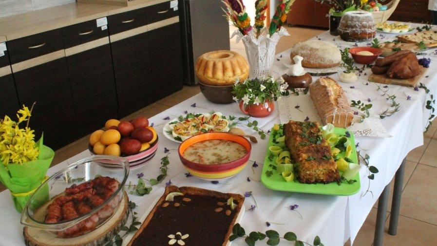 Reymontowskie tradycje wielkanocnego stołu w Zespole Szkół nr 1 w Opatowie