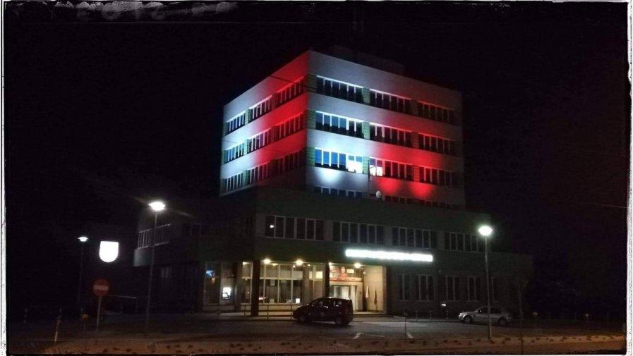 Iluminacja okolicznościowa budynku Starostwa Powiatowego w Opatowie